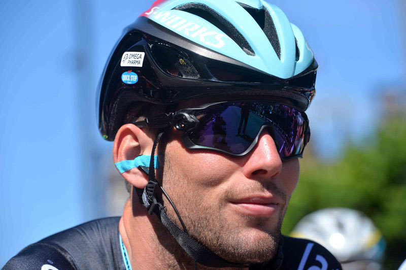 mark-cavendish-new-oakley-sunglasses-at-tour-de-france-2014.jpg
